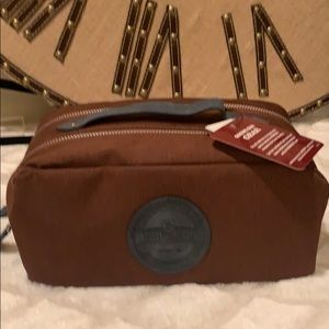 BNWTS BUDWEISER TRAVEL KIT BROWN W BLUE ACCENTS
